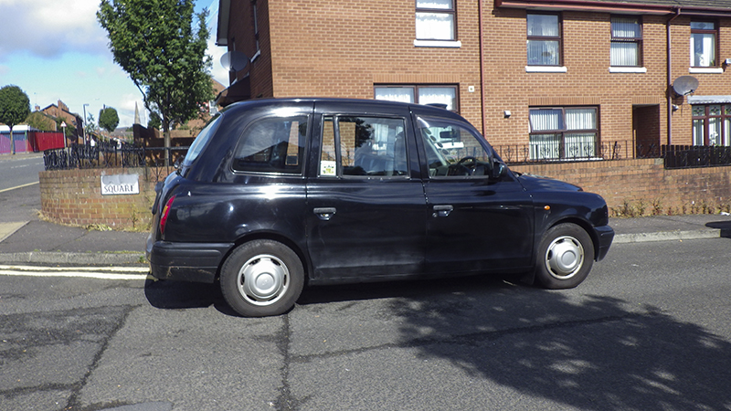 taxi-den