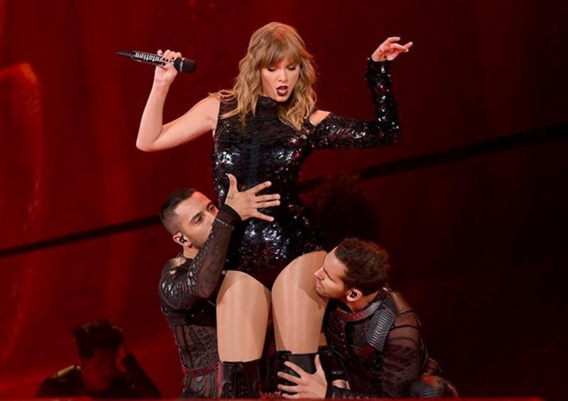 Tour diễn liên tục cháy vé, Taylor Swift tiến dần đến danh hiệu nữ hoàng nhạc pop thế hệ mới