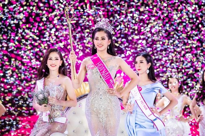 Tân Hoa hậu Trần Tiểu Vy không quan tâm tới những thị phi