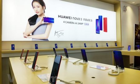 Cận cảnh cửa hàng trải nghiệm đầu tiên của Huawei tại Việt Nam