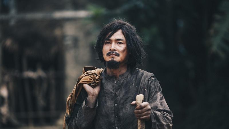 """""""Người bất tử"""" kể về quá trình của Hùng, từ công tử vô hại, sống bình dị trở thành """"người bất tử"""" bất chấp mọi thứ vì mạng sống."""