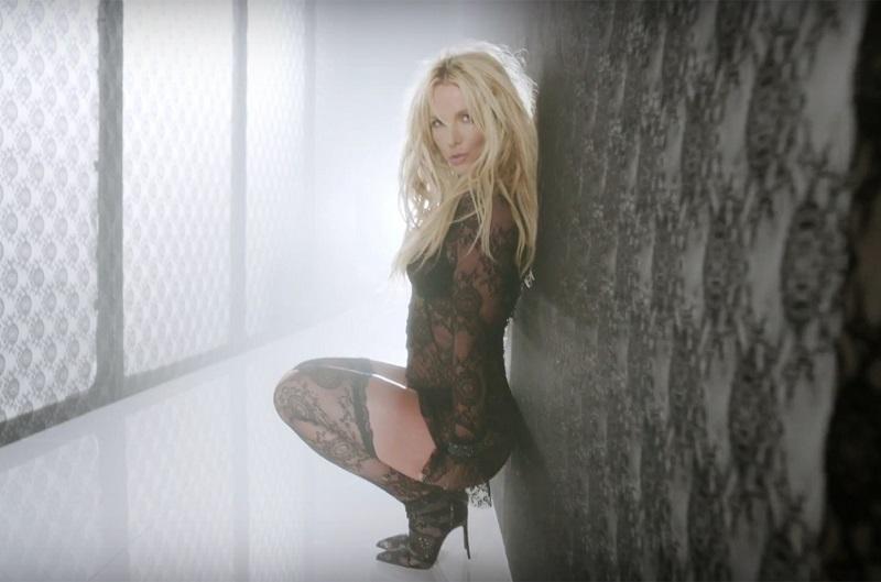 """Các sản phẩm chất lượng ở """"Britney Jean"""", """"Britney: Piece of Me"""", album phòng thu thứ 9 với đĩa đơn """"Make Me..."""" vẫn được khán giả đại chúng đón nhận nồng nhiệt. Không những thế, """"công chúa nhạc pop"""" đã giành chiến thắng tất cả giải thưởng ở 4 đề cử tại Giải thưởng People Choice lần thứ 43 vào năm 2017."""