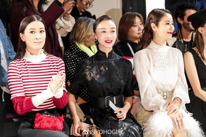Bên cạnh đó, hàng ghế đầu trong show diễn của NTK Shiatzy Chen còn có sự góp mặt của nữ diễn viên Ngô Cẩn Ngôn với bộ váy ren tông màu đen yêu thích của cô.