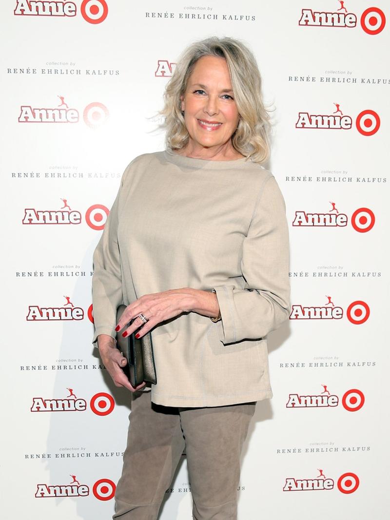 """NTK phục trang cho phim - bà Renee Ehrlich Kalfus - người từng đoạt Giải thưởng của Hiệp hội Thiết kế Phục trang cho trang phục xuất sắc nhất năm 2011 cho bộ phim """"Chocolat""""."""