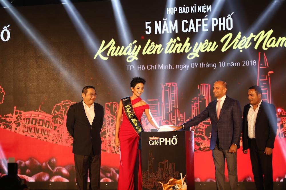 Food Empire Việt Nam kỉ niệm hành trình 5 năm Café PHỐ