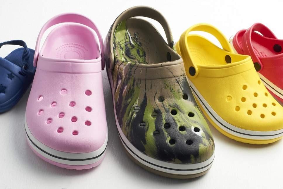 Màu sắc tươi tắn, nổi bật của Crocs đã chinh phục trái tim của các tín đồ thời trang