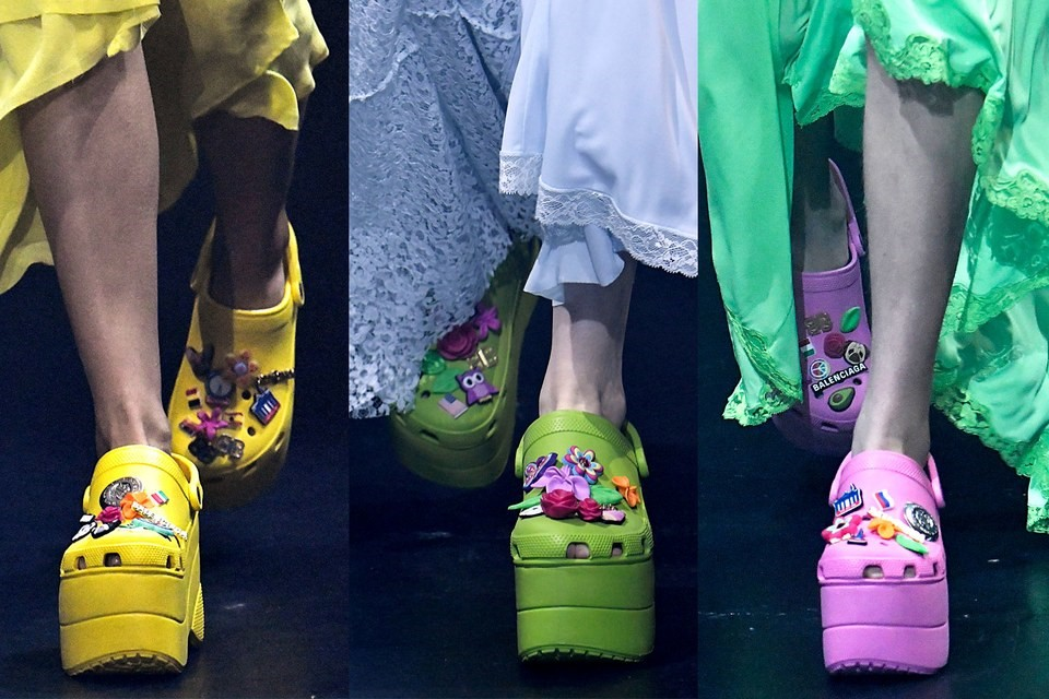 Những thiết kế hợp tác đặc sắc của Crocs và Balenciaga