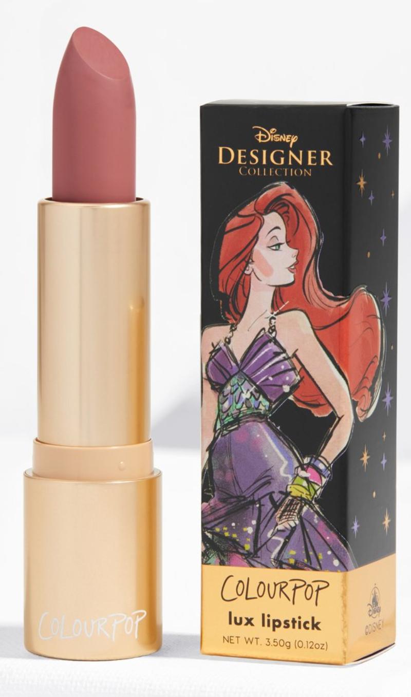 Sắc cam nude rất phù hợp với tính cách đáng yêu, thuần khiết của nàng tiên cá Ariel