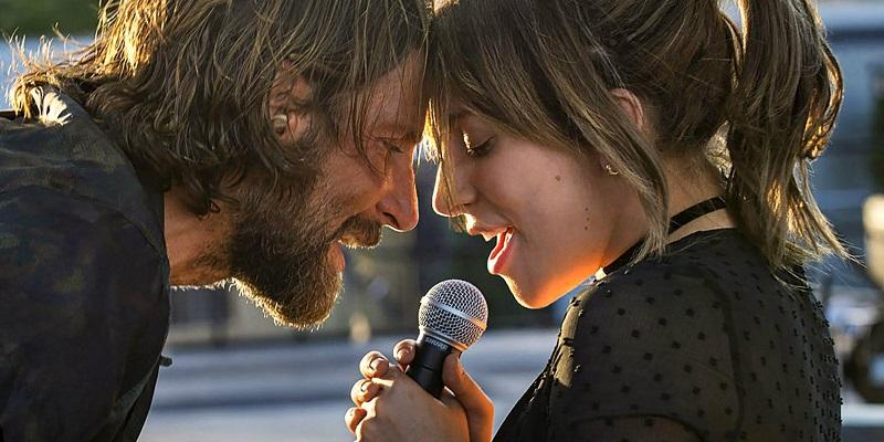 """Màn hòa giọng trong ca khúc """"Shallow"""" đáng mong đợi nhất của cặp đôi diễn viên chính."""