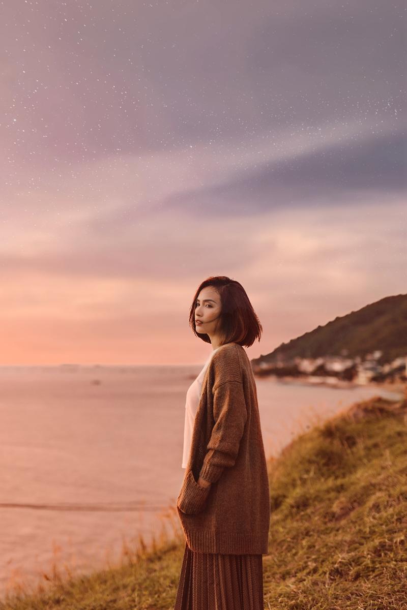 """MV """"Có đâu xa gần"""" sẽ được chính thức phát hành vào tối ngày 19/10 trên kênh YouTube chính thức của Ái Phương và các trang nghe nhạc trực tuyến."""