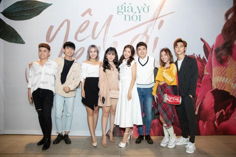Jin Ju và bạn bè trong giới giải trí