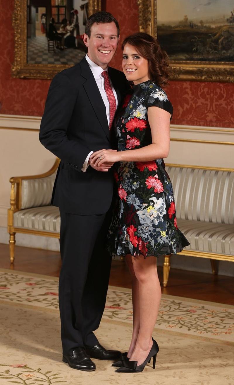 Bộ váy của nhà mốt Ederm mà Eugenie từng mặc khi công bố lễ đính hôn.