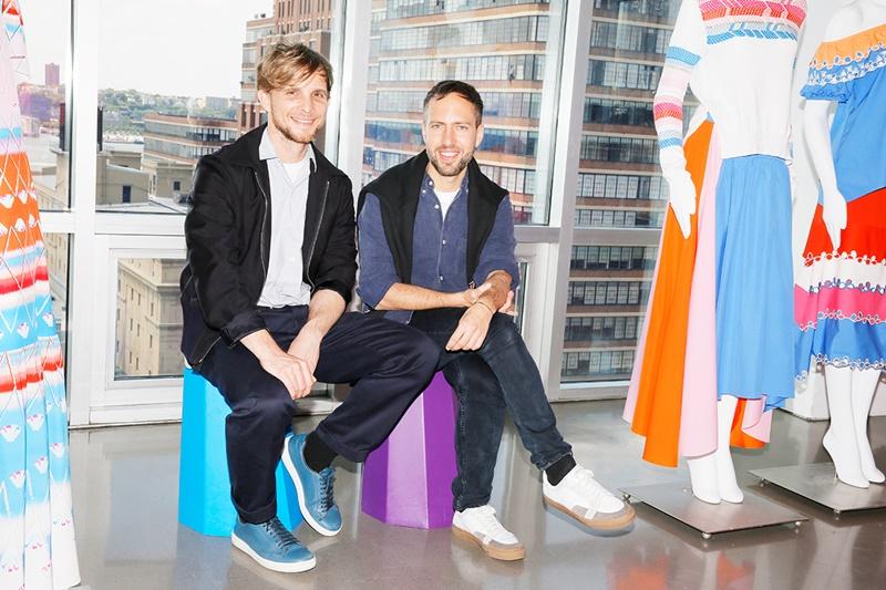 Nhưng cuối cùng, 2 NTK là Peter Pilotto và Christopher de Vos mới chính là người thiết kế váy cưới cho Công chúa xứ York.