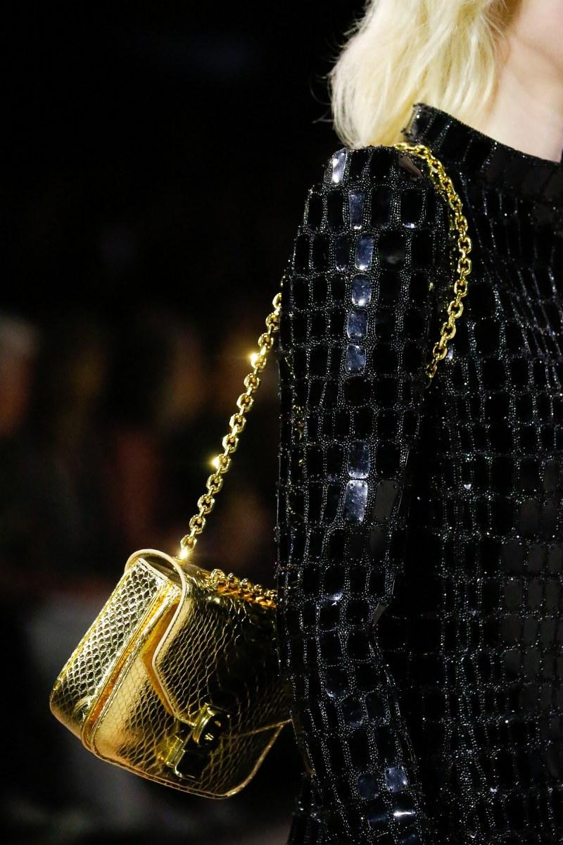 Túi xách C của Celine cũng là một thiết kế mới từ Celine dưới sự chỉ đạo của NTK Hedi Slimane.