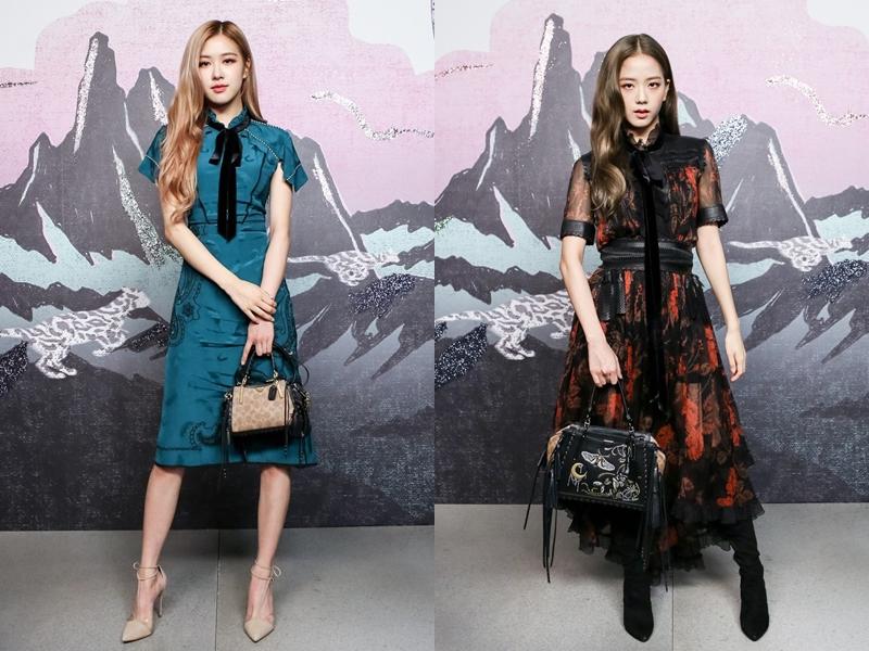 2 thành viên của BLACKPINK là Rose (trái) và Jisoo nổi bật với 2 tông màu xanh - đỏ tại show diễn của Coach. Cùng lựa chọn váy liền nhưng Rose thiên về vẻ thanh lịch, dịu dàng còn Jisoo lại có phần quyến rũ hơn với phần phối ren và kiểu chân váy xếp tầng đẹp mắt.