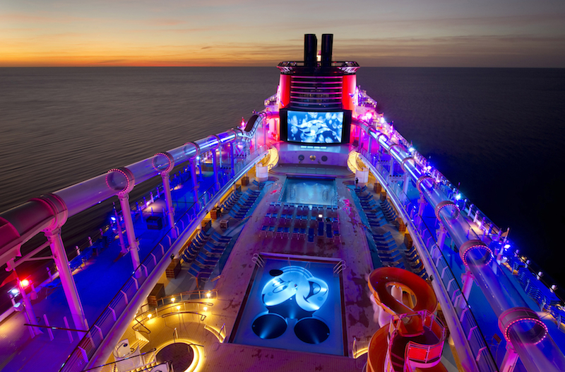 Có rất nhiều hoạt động thú vị khác nhau trên du thuyền.