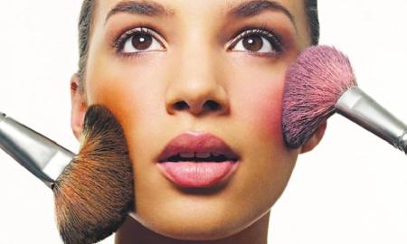 Màu má nào dành cho cô nàng da nâu?