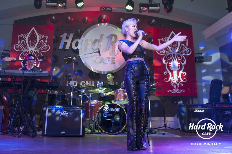 Ca sĩ Thảo Trang Idol