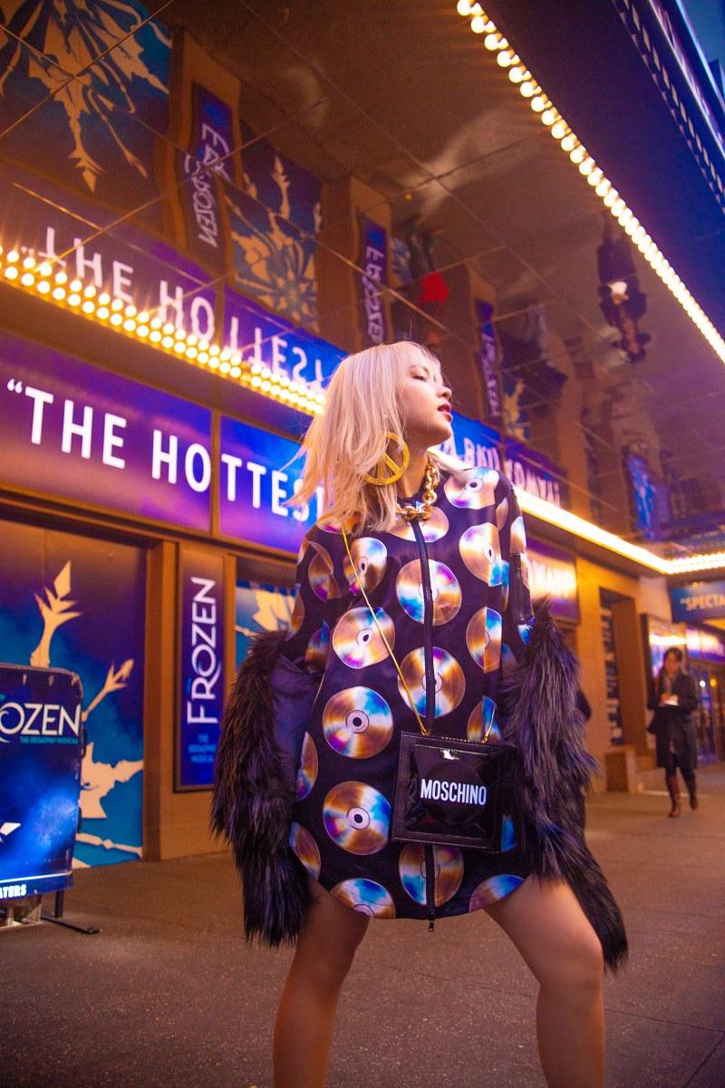 Châu Bùi chinh phục mọi ánh nhìn với những hình ảnh street style vô cùng ấn tượng tại New York.