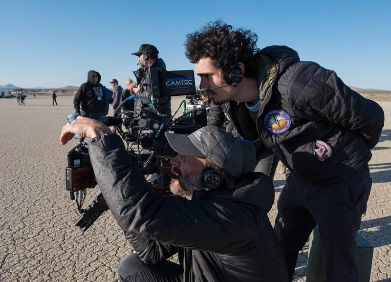Đạo diễn trẻ nhất trong lịch sử được nhận tượng vàng Oscar – Damien Chazelle trực tiếp chỉ đạo các cảnh quay trên phim trường.