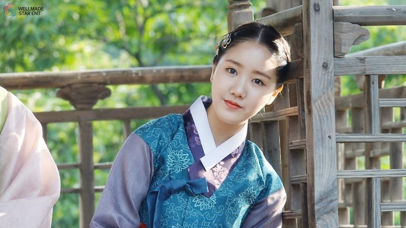 jin-ji-hee-10