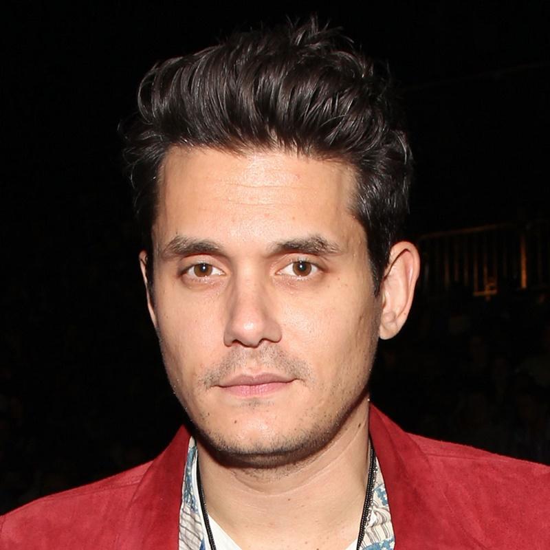 John Mayer tự hào với làn da không tì vết ở tuổi trên 40 nhờ qui tắc 4 không: không hút thuốc, không uống bia rượu, không ra ngoài lúc trời nắng và... không yêu ai cả