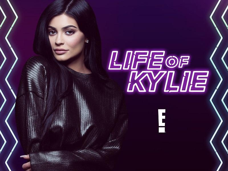 Chương trình của em út Kylie sớm kết thúc vì dàn dựng quá nhạt nhẽo, theo mô típ cũ.