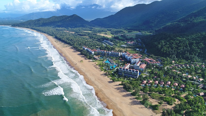 Laguna Lăng Cô được vinh danh là một trong bốn khu nghỉ dưỡng đẳng cấp nhất Việt Nam