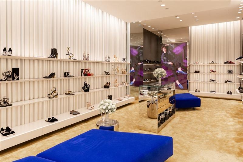 Cửa hàng Giuseppe Zanotti tại khu mua sắm cao cấp Rex Arcade, Tp.HCM.