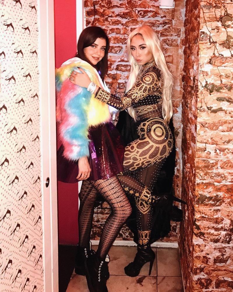 """Cô chia sẻ mình đã phải """"độn"""" thêm rất nhiều, đến 6kg, để có thể đạt được những đường cong giống như """"nguyên bản"""" Nicki Minaj."""