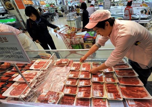 Lo ngại dịch bò điên, Hàn Quốc kiểm tra kỹ sản phẩm thịt bò từ Mỹ