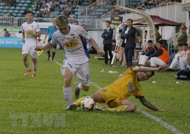 Hoàng Anh Gia Lai thua đậm FLC Thanh Hóa ngay trên sân nhà