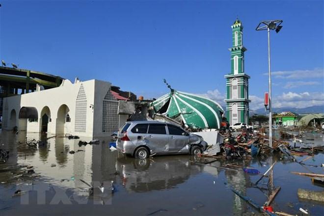 Nạn nhân động đất Indonesia được chôn tập thể để ngăn chặn dịch bệnh