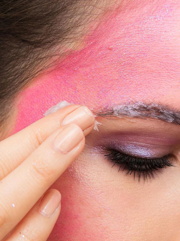 vaseline-makeup-remover-1539715239