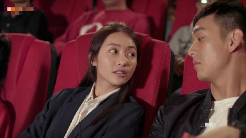 Cặp diễn viên trẻ lại khiến khán giả thất vọng với lối diễn xuất thiếu tự nhiên của mình.