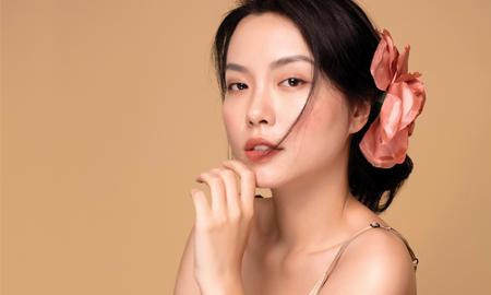 Hà Trúc: Mỹ phẩm chỉ quyết định 20% vẻ đẹp của làn da