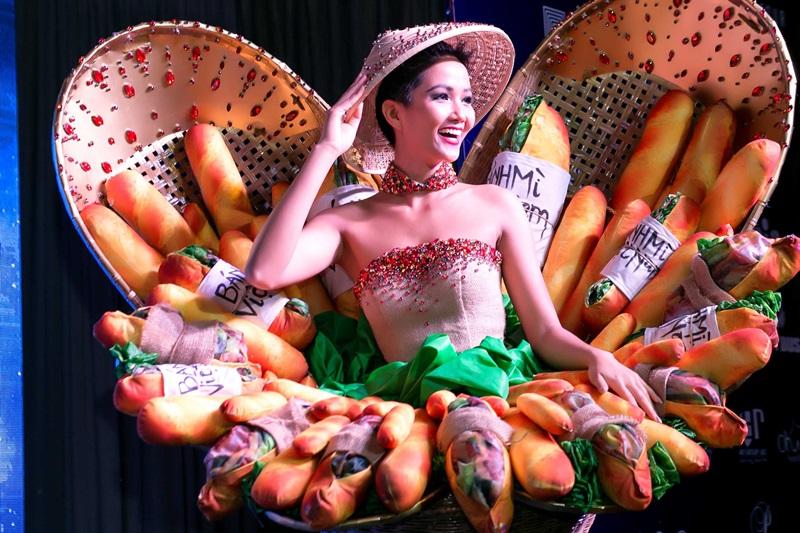 """Phiên bản mới của """"Bánh mì"""" được Hoa hậu H'Hen Niê mang đến Miss Universe 2018"""