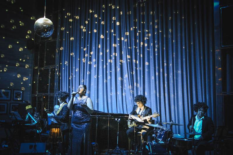 Hòa mình vào buổi trình diễn nhạc jazz ngoài trời lớn nhất Hà Nội