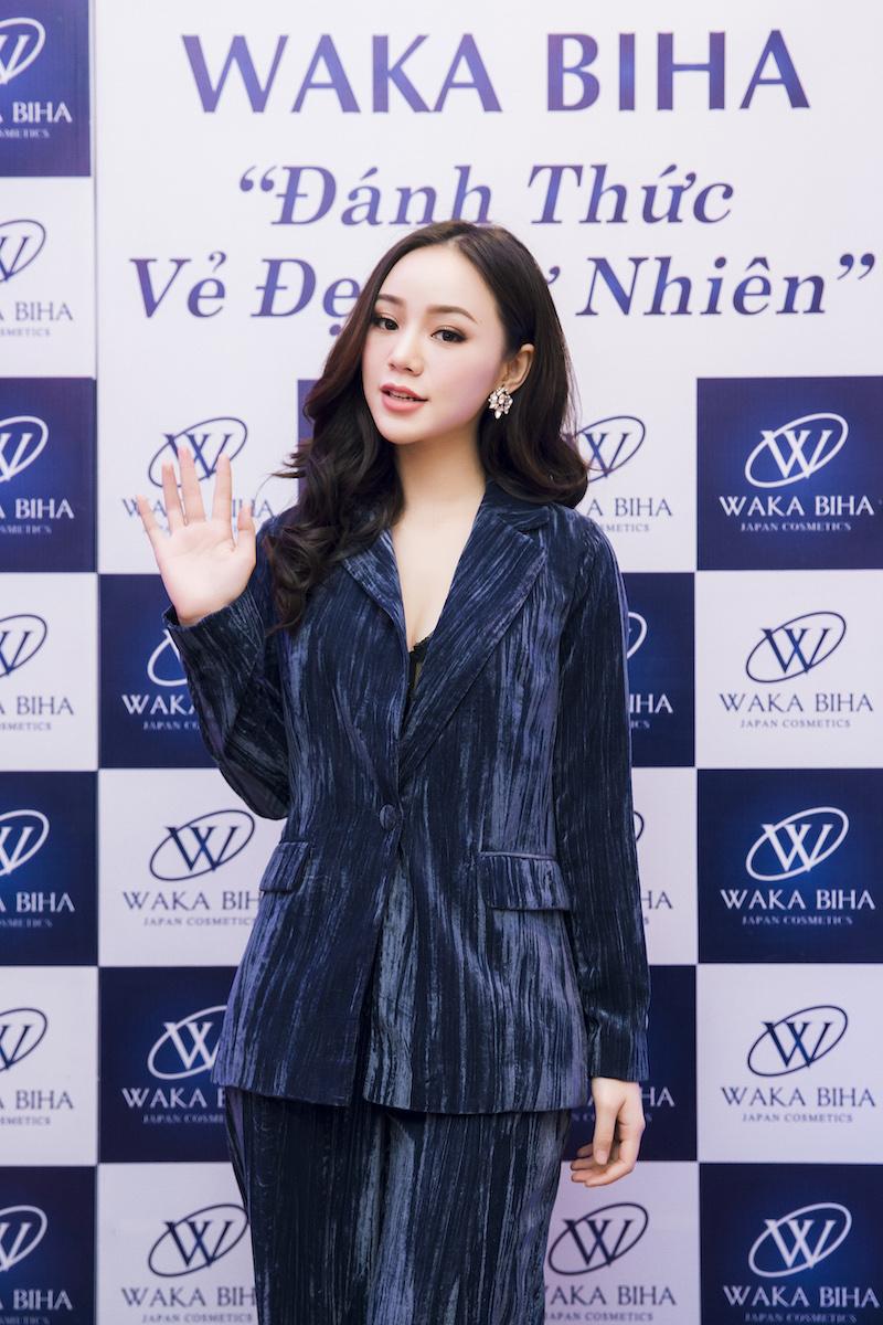 Quỳnh Kool xinh đẹp tại sự kiện Waka Biha – Đánh thức vẻ đẹp tự nhiên.