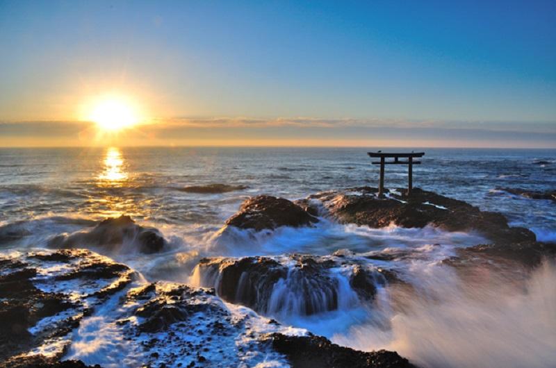 Oarai Isosaki-jinja là đền có lịch sử lâu đời, được cho là đã xây dựng vào năm 856.