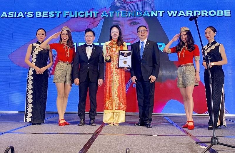 """Vietjet tự hào với """"Đồng phục tiếp viên đẹp nhất Châu Á"""" 2018"""