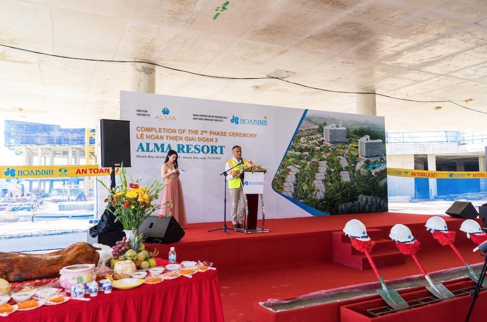 Ông Hemant Patel - ALMA CEO phát biểu trong buổi lễ