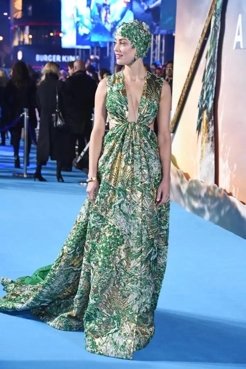 """Cùng chờ đón những bộ cánh khác của Amber Heard trong loạt sự kiện ra mắt phim """"Aquaman"""" sắp tới."""