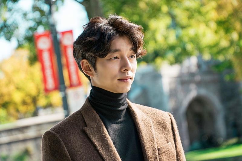 """Năm 2016, nhân vật yêu tinh Kim Shin của Gong Yoo trong phim truyền hình """"Goblin"""" trở thành hiện tượng trên màn ảnh nhỏ, bộ phim xô đổ mọi kỷ lục về các chỉ số truyền thông. Không những thế, mối quan hệ đặc biệt giữa yêu tinh Kim Shin và thần chết (Lee Dong Wook) đến nay vẫn được khán giả yêu mến và ủng hộ."""