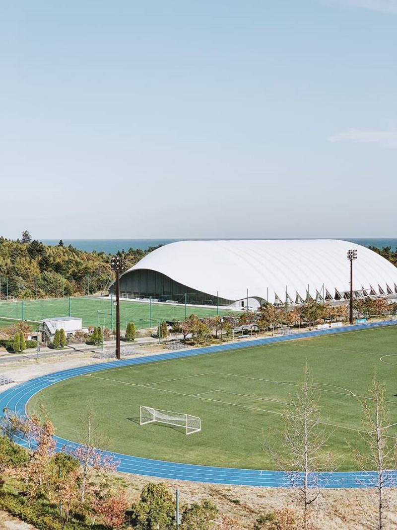 J-Village là nơi tập luyện chính thức của đội tuyển quốc gia Argentina tham dự World cup 2002, và nhiều giải đấu quan trọng của Nhật Bản.
