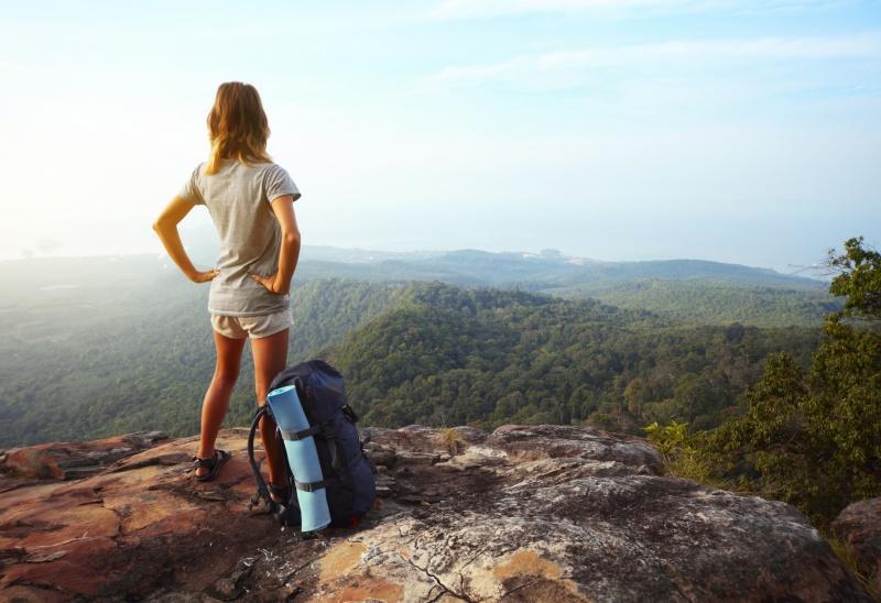 batch_girl-backpacking-1