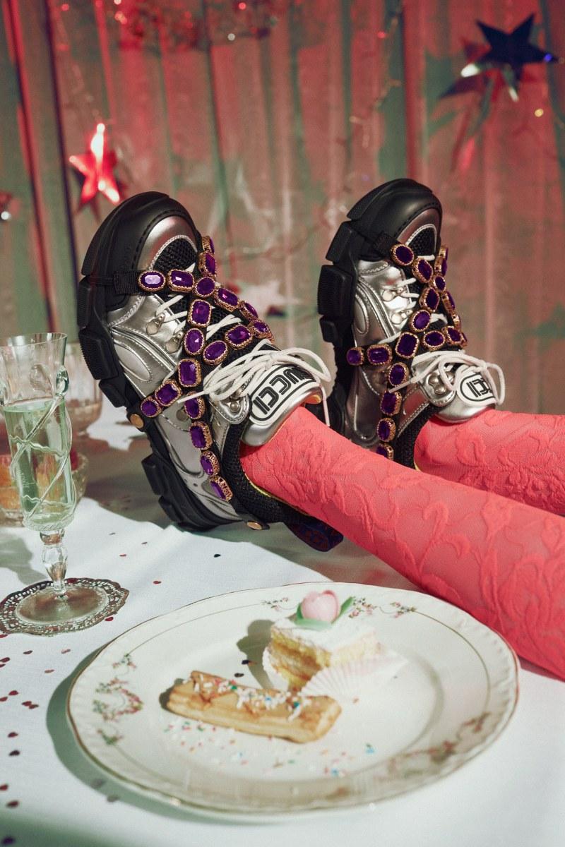 Giày Flashtrek của Gucci đã thực sự tạo nên cơn sốt ngay khi ra mắt trong năm 2018.