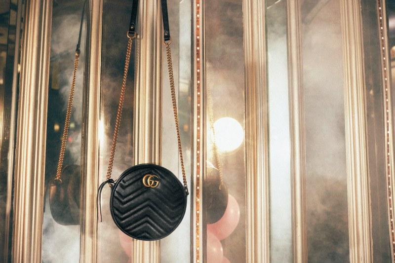 Phiên bản túi xách GG Marmont hình tròn cũng là một gợi ý quà tặng vô cùng thú vị.