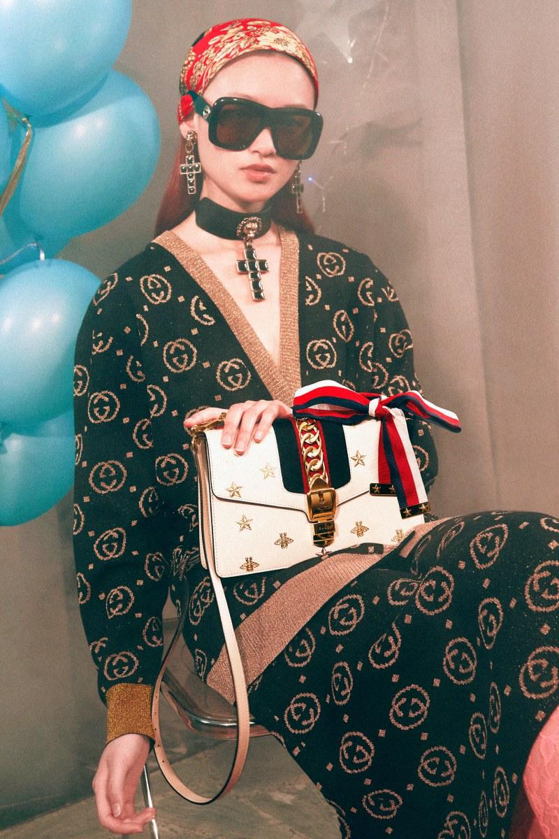 Chiếc túi Sylvie xuất hiện trong chiến dịch quảng cáo Gucci Gift Giving 2018.