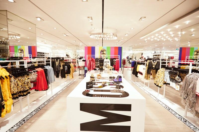 Không gian trưng bày BST Moschino [tv] H&M